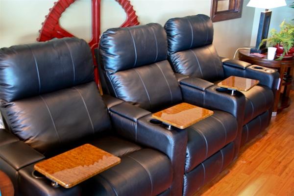 & Reno Theater Seating - 3 Black Leather Chairs By Berkline - 12003 islam-shia.org