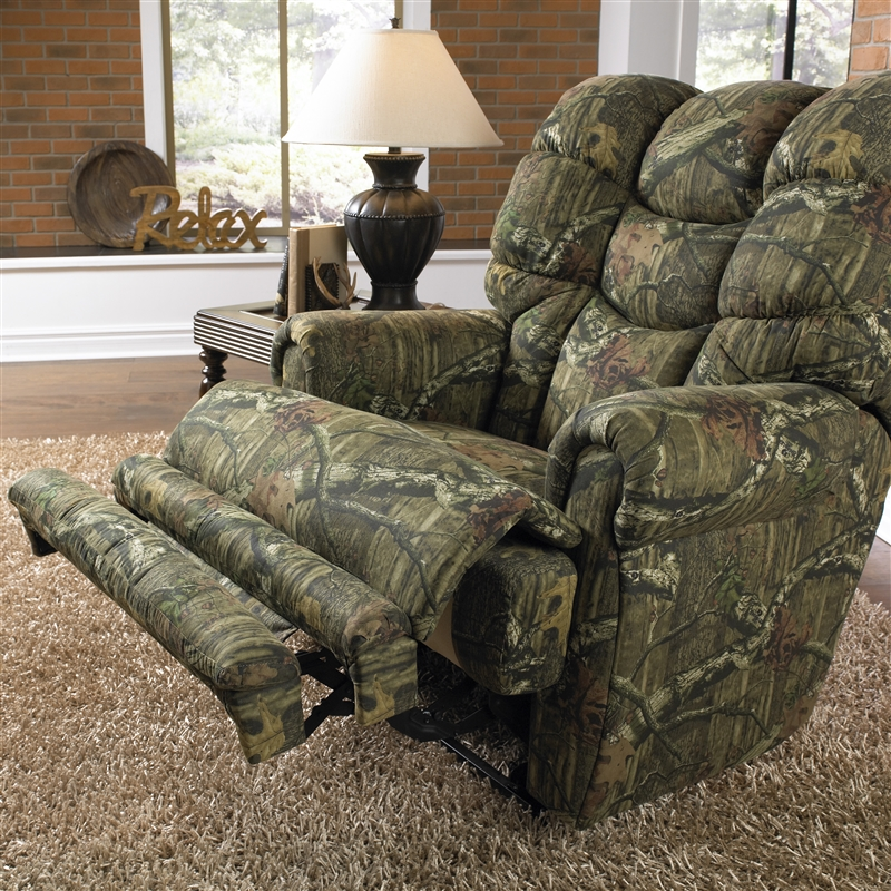 Appalachian Lay Flat Reclining Sofa In Mossy Oak Or
