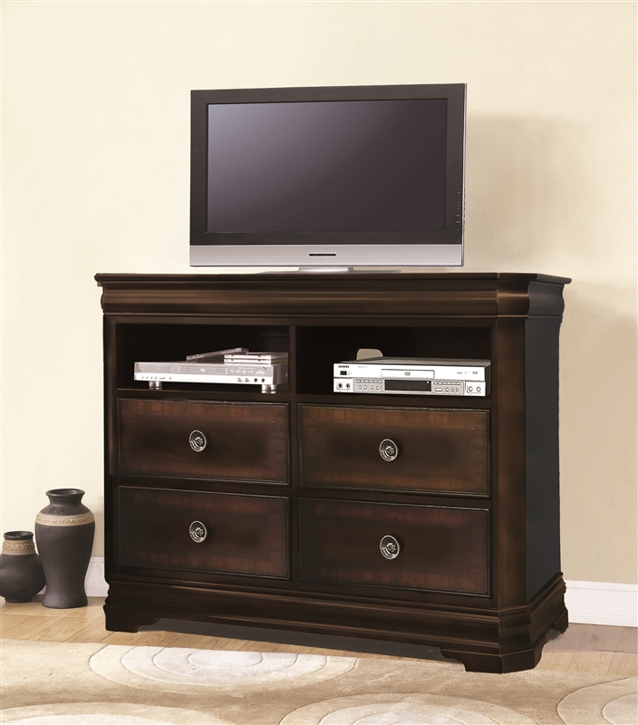 Charlotte 6 piece bedroom suite in cherry finish by crown - Two bedroom suites in charlotte nc ...