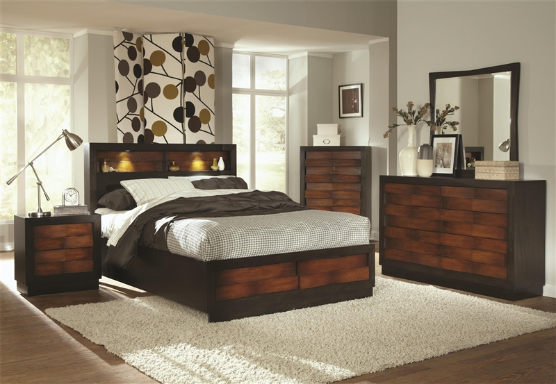 Rolwing 6 Piece Bedroom Set In Two Tone Finish By Coaster