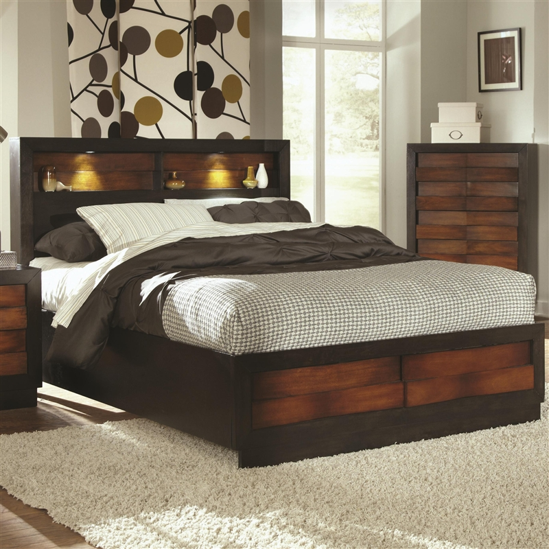 Rolwing 6 Piece Bedroom Set in Two Tone Finish by Coaster - 202911