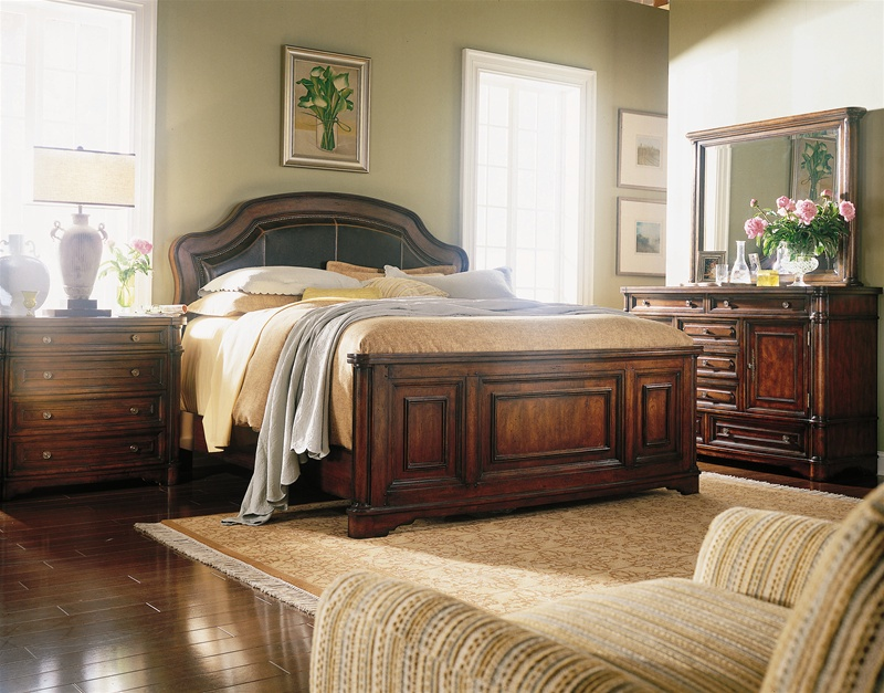 Wynterhall Leather Platform Bed 6 Piece Bedroom Set In Rich Warm Brown  Finish By Hooker Furniture HF 342 90 210