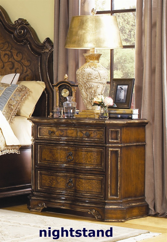 Beladora poster bed 6 piece bedroom set in caramel with for Beladora bedroom set