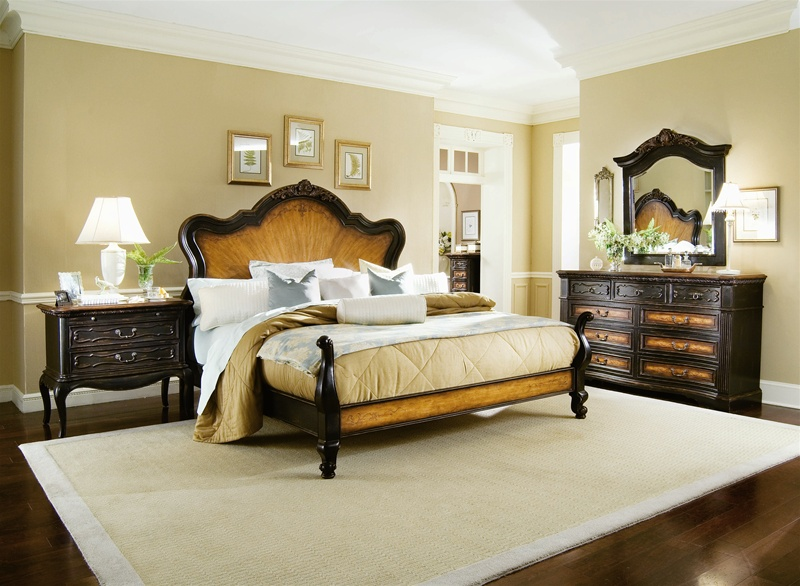 Hampton Panel Bed 6 Piece Bedroom Set in Two-Tone Finish by Hooker ...