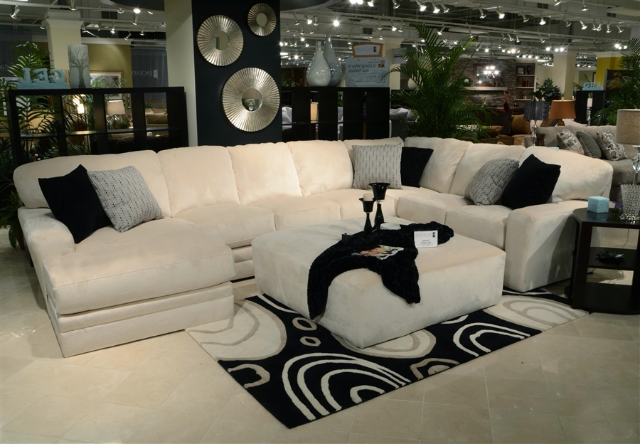 Malibu 3 Piece Sectional In Taupe Chenille Fabric By