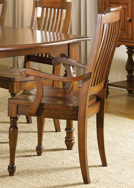 Americana Round Pedestal Table 5 Piece Dining Set In