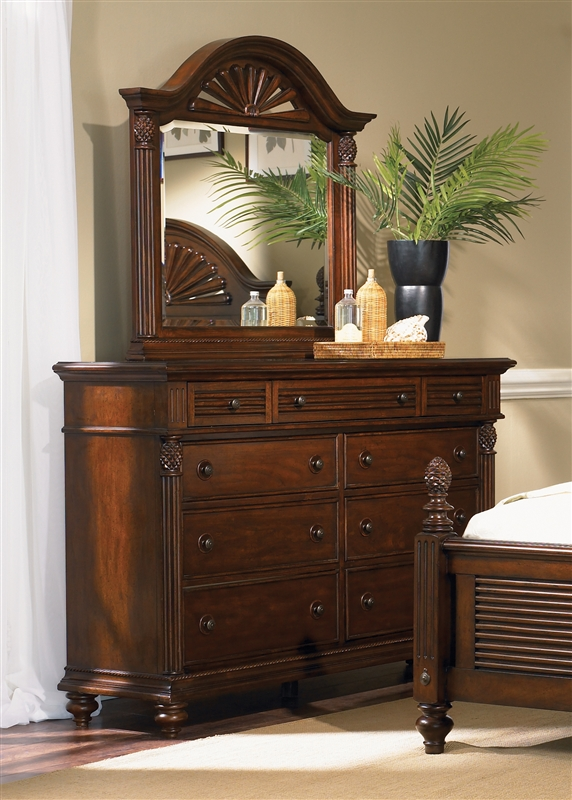 Royal Landing Poster Bed Piece Bedroom Set In Tobacco Finish By