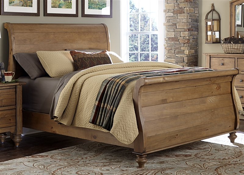 southern pines sleigh bed in vintage light pine finish by liberty furniture 918 br qsl. Black Bedroom Furniture Sets. Home Design Ideas