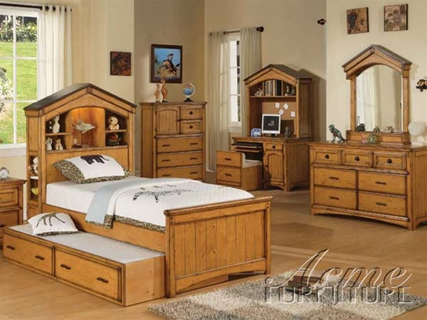 4 Piece Montana Bedroom Set in Rustic Oak Finish by Acme - 00125