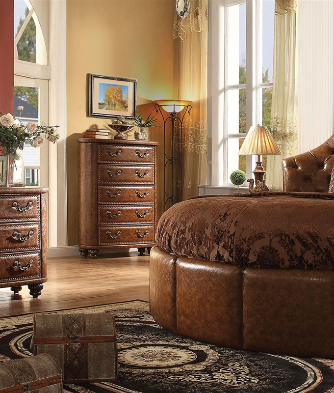 Varada Crescent 6 Piece Traditional Bedroom Set In Antique Cherry Finish By Acme 25157rd S