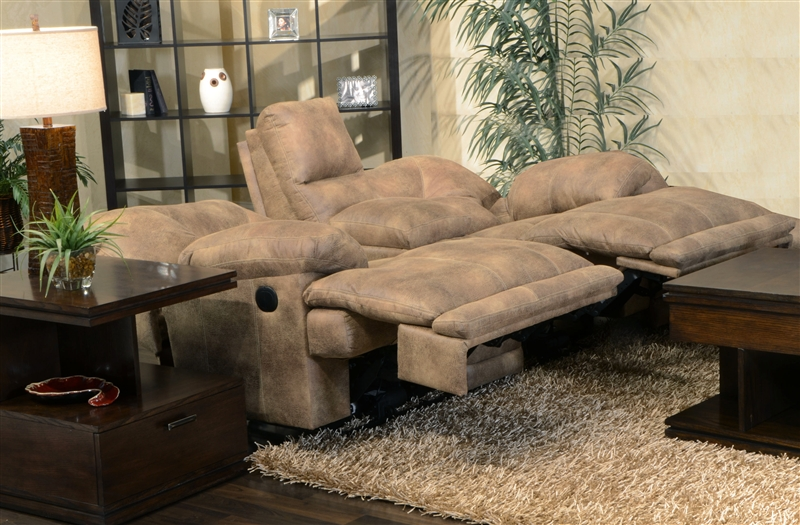 Voyager Lay Flat Reclining Console Loveseat By Catnapper