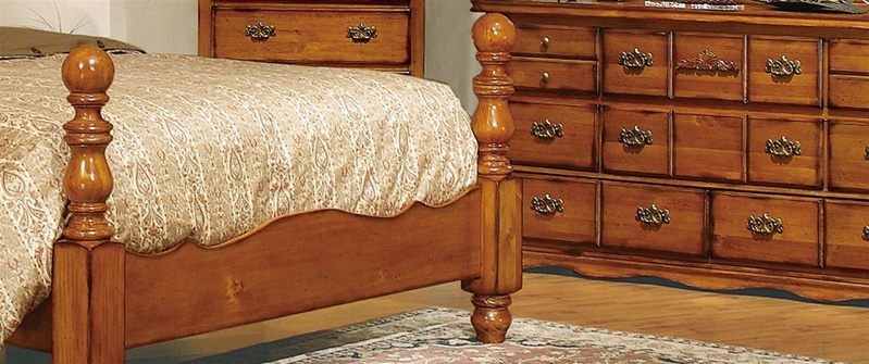 pine bedroom set. Coventry 6 Piece Bedroom Suite in Honey Pine Finish by Crown Mark  B5900