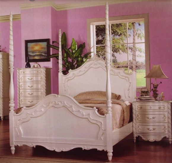 4 Piece Alexandria Poster Bed Bedroom Furniture Set In White Pearl Finish With Gold Accents By Coaster 400200