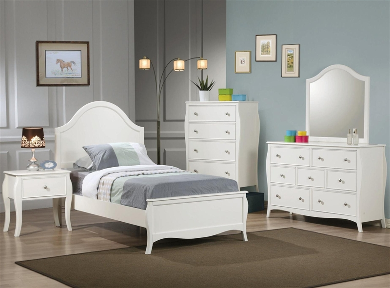 Dominique 4 Piece Youth Bedroom Set in White Finish by Coaster - 400561