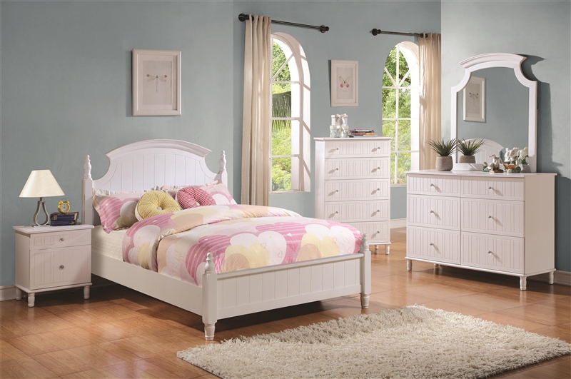 4 Piece Youth Bedroom Set in White Finish by Coaster - 400681