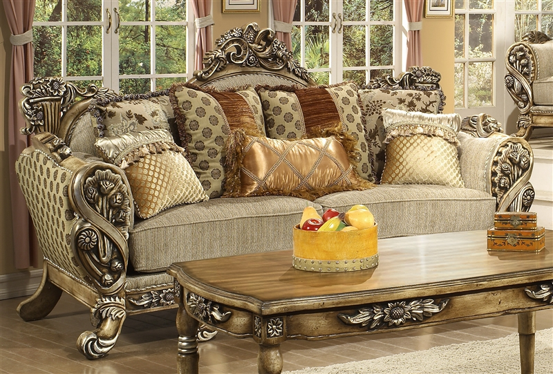 Exceptionnel Lu0027Aquila Beige Chenille Fabric, Antiqued Finish Sofa By Homey Design   272 S