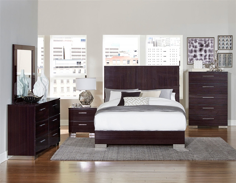 Moritz 6 Piece Bedroom Set in Chrome by Home Elegance - HEL-1706-1-4