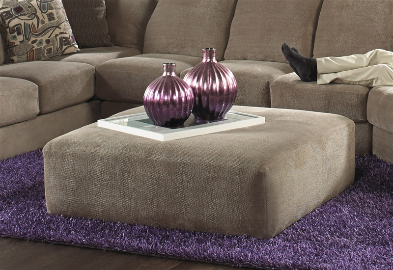 Malibu 3 Piece Sectional In Taupe