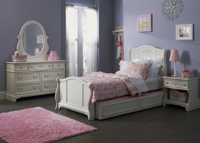 Arielle 4 Piece Youth Bedroom Set in Antique White Finish by ...